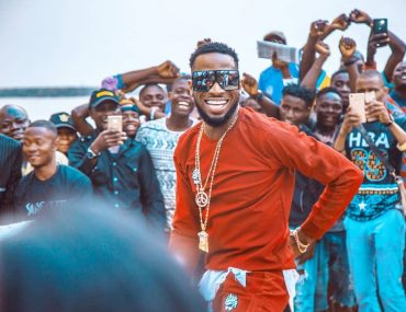 D'Banj – Issa Banger f. SlimCase & Mr Real [Lyrics]