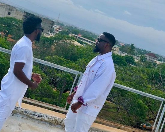 Bisa Kdei ft. Sarkodie  Pocket Video