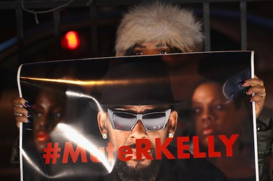 R. Kelly's Daughter tackles him on Sexual Abuse Scandal.