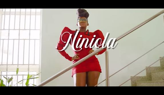 Niniola Ft. Sarz Designer Video Download
