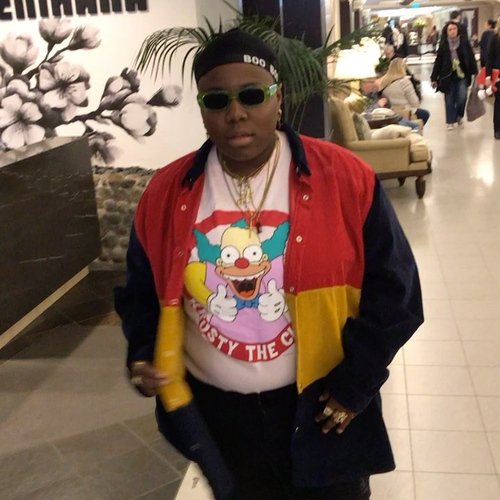 Teni shows off the face of her lover Video