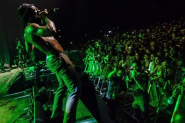 Burna Boy Performs To Audience Of 6000 People At Afropunk Festival, Paris.