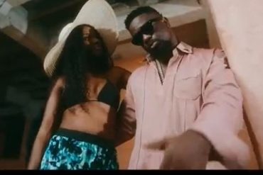 Sarkodie ft. Rudeboy – Lucky Video Download