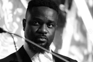 Sarkodie x Kwesi Arthur Who Da Man Mp3 Download
