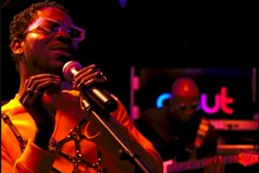 "Adekunle Gold Performs ""Young Love"" Acoustic Version."