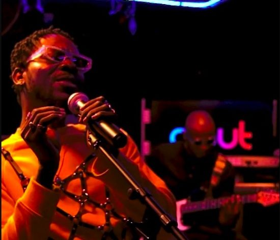 """Adekunle Gold Performs """"Young Love"""" Acoustic Version."""