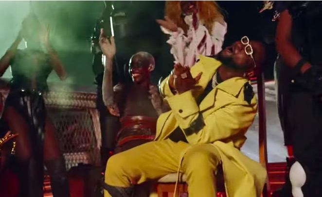 Davido ft. Wurld, Naira Marley, Zlatan Sweet in the Middle Video Download