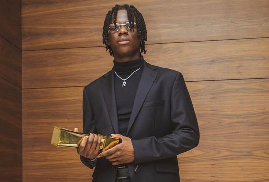 Mavin Record rookie Rema has taken to his twitter to motivate his fans to be a better version of themselves and their best to rewrite their story and make the Universe proud.