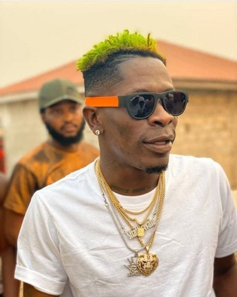 Shatta Wale gifts fans Hand Sanitizers