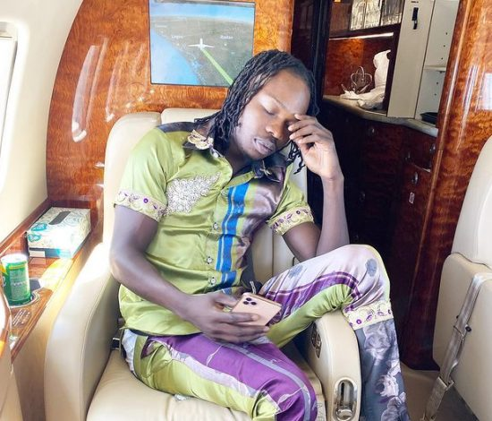 Dispatch Rider almost get crushed trying to collect money from Naira Marley