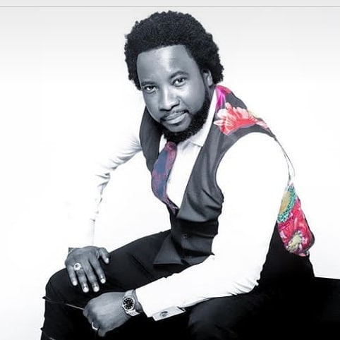 Gospel singer, Sonnie Badu accused of 'academic scam'