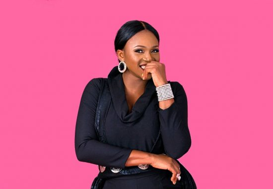 Waje reacts as man tries to shoot his shot at her