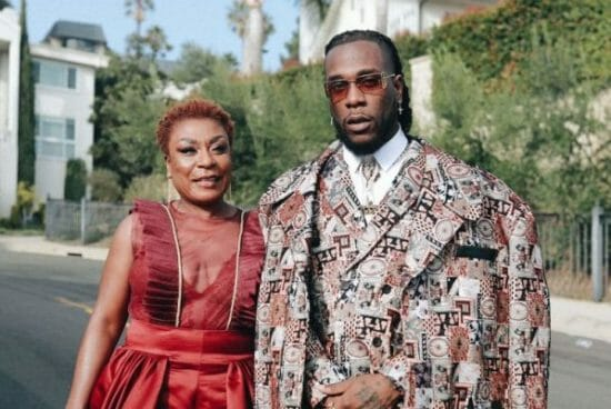 Burna Boy's Mom is a vibe, watch her do her thing again at LA.